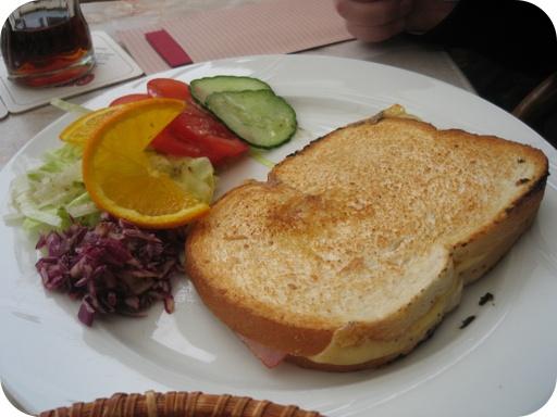 Tosti Ham Kaas van Restaurant Petit Reserve - Gulpen