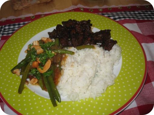 Sajoer Boontjes met Smoorvlees en Witte rijst