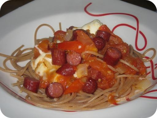Pasta met Smoortomaat en Kabanossi
