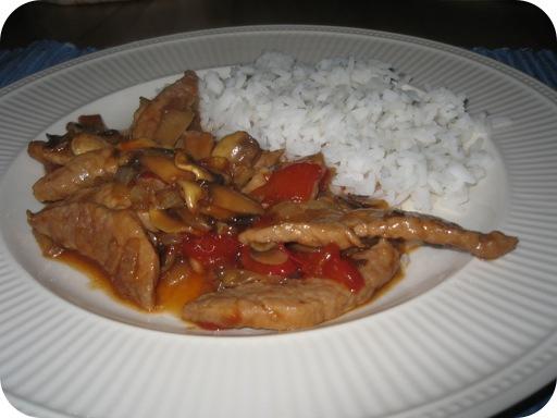 Rijst met Schnitzel in Teriyaki-Honing saus