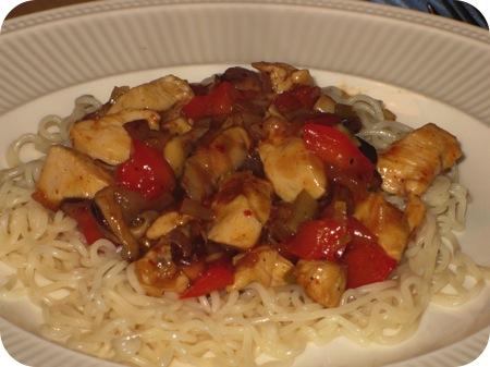 Noodles met Kipfilet, Paprika en Shiitake