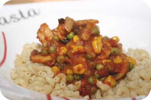 Macaroni met Doperwten, Maïs en Champignons