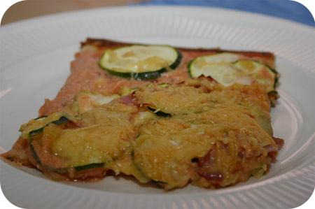 Pizza met Courgette, Tomaat en Boursin