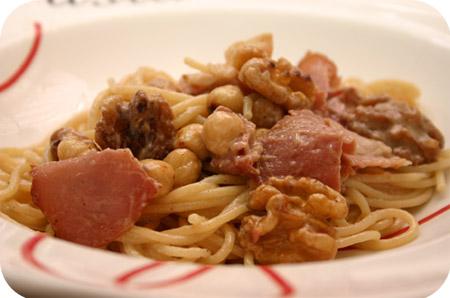 Spaghetti met Noten en Rauwe Ham