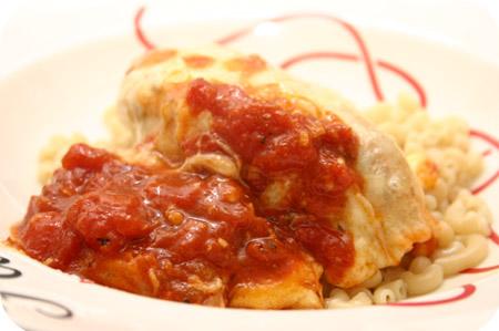 Kipfilet met Kaas & Mozzarella en Tomatensaus uit de oven