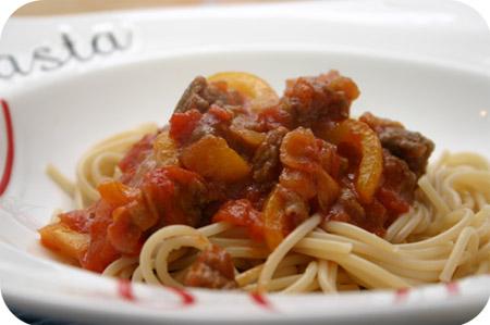 Spaghetti met Paprika, Worstjes en Tomatensaus
