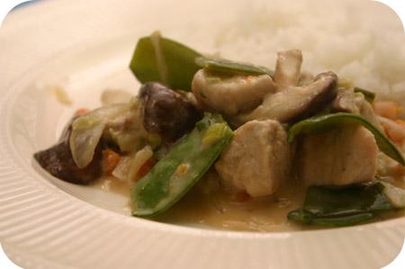 Rijst met Schnitzels en Peultjes in Kokossaus