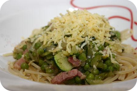 Spaghetti met Courgette en Doperwten