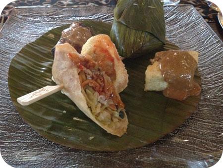 Makanan Kecil Lonny at Mooi Zeist
