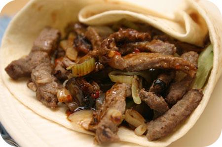 Wraps met Rundvlees en Zoete Chilisaus