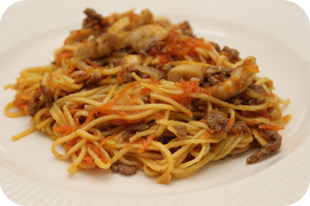 Noodles met Gehakt, Wortel en Champignons