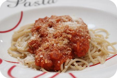 Spaghetti met Chipolataworstjes en Tomatensaus