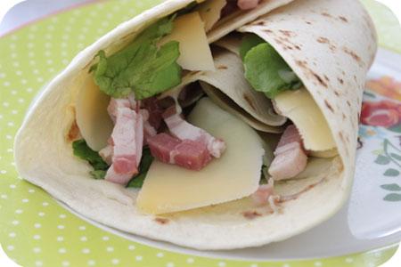 Lunchwrap met Sla, Kaas en Ontbijtspek