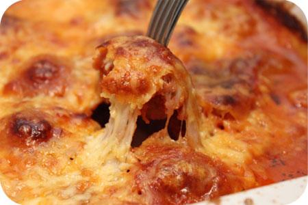 Gegratineerde Schnitzels in Tomatensaus