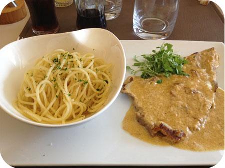 L'Escale in Menen Spaghetti Escalope de Veau au Parmesan