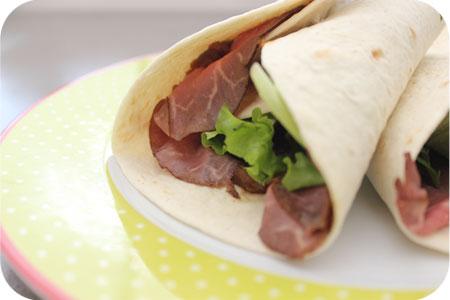 Wraps for Lunch: Wraps met Rosbief en Satésaus