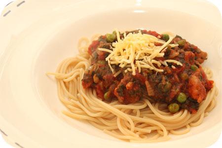 Spaghetti met Doperwten en Spinazie in Tomatensaus
