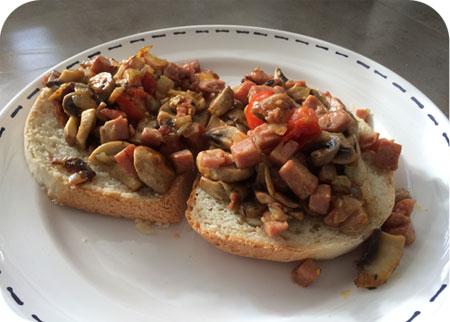 Broodje Champignons met Ham en Honing