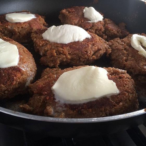 notenburger in de pan
