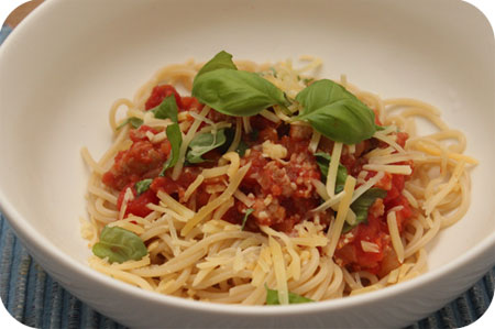 Snelle Spaghetti met Worst en Tomatensaus
